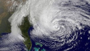 iPhone Apps To Track Hurricane Sandy